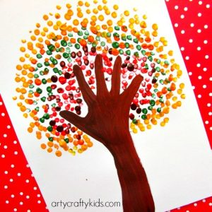 Handprint-Autumn-tree-600x600
